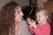 Малышка не может чувствовать запахи, так как у нее отсутствуют носовые проходы
