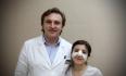 Александр Викторович и его пациентка после пластики носа