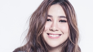 Филиппинская певица Мойра Дела Торре