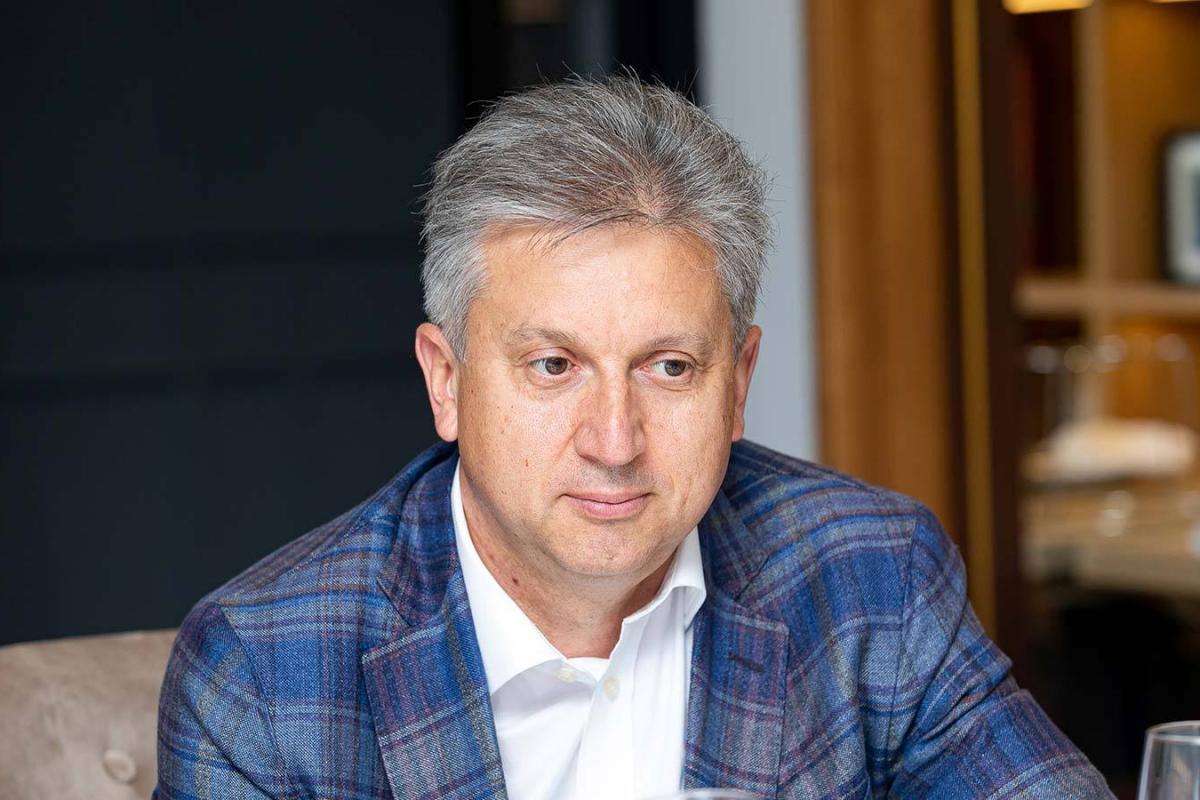 Нарек Мовсисян лучший пластический хирург